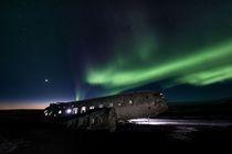 Northern light at the Sólheimasandur plane wreck
